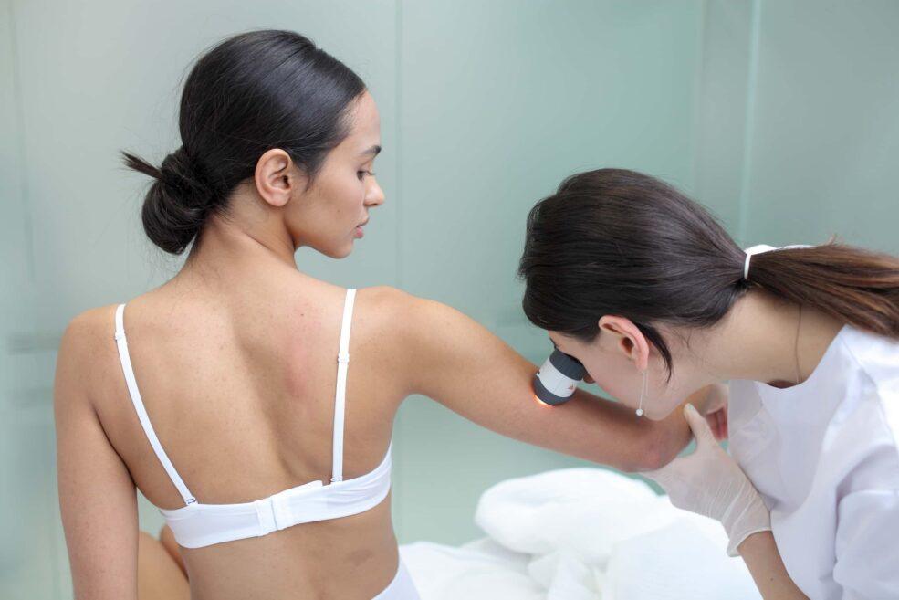 Чому регулярні відвідини дерматолога є обов'язковими?